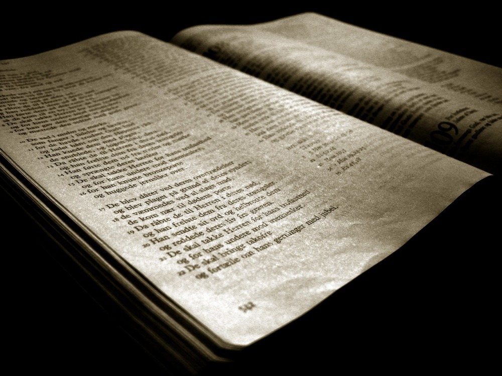 bible-879070_1280